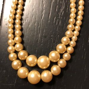 Vintage faux pearls double stand necklace.